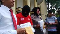 Wakil Dekan FKG Unair yang menjadi tersangka pencabulan itu disebut mengakui ulahnya kepada resepsionis tempat fitnes. (Liputan6.com/Dhimas Prasaja)