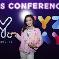 Tidak hanya diisi para senior yang telah malang melintang didunia maya, acara XYZ Day 2018 juga ada pembicara muda. Clarice Cutie nama gadis cantik berusia 11 tahun itu. (Bambang E Ros/Bintang.com)