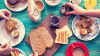 Sering dianggap sepele kegiatan sarapan pagi seringkali dilewatkan, padahal aktivitas makan di pagi hari ini berguna untuk pemenuhan gizi sekaligus sumber energi untuk beraktivitas dari pagi hingga siang hari.