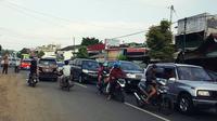 Jalur tengah Jawa macet, kendaraan dialihkan ke selatan Jabar, Sabtu (1/7/2017). (Liputan6.com/Fajar Eko Nugroho)