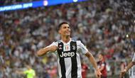 6. Selebrasi gol Ronaldo usai mencetak gol pada laga Final Piala Super Italia yang berlangsung di stadion King Abdullah Sports City, Jeedah, Kamis (17/1). Juventus menang 1-0  atas AC Milan (AFP/Giuseppe Cacace)