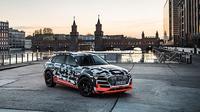 Mobil listrik Audi e-Tron siap diluncurkan tahun depan. (Autoevolution)