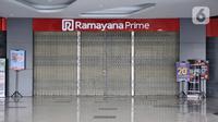 Kondisi gerai Ramayana yang tutup di City Plaza Depok, Rabu (8/4/2020). Ramayana Departement Store menutup operasionalnya di City Plaza Depok, dimana 87 karyawan terkena pemutusan hubungan kerja (PHK) lantaran wabah virus corona telah menyebabkan omzet penjualan menurun. (merdeka.com/Iqbal Nugroho)