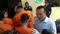 Polisi menangkap anak mantaan Wakil Bupati Cirebon. Foto: (Panji Prayitno/Liputan6.com)