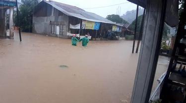 Banjir di Jondul Rawang, Selasa (28/9/2021). (Liputan6.com/ Novia Harlina)