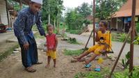Sukarjan, tokoh masyarakat Dusun Ngaglik (Liputan6.com/ Ahmad Adirin)