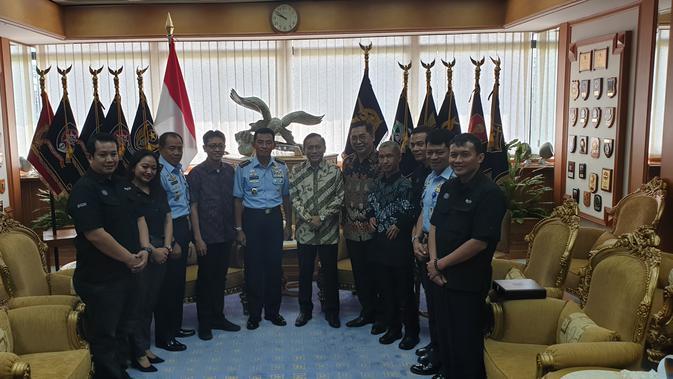 EMTK Emtek Group Silaturahmi dengan KSAU di Mabes TNI Cilangkap - News Liputan6.com