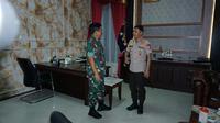 Kapolri Jenderal Idham Azis menemui Panglima TNI Hadi Tjahjanto, Jumat (1/11/2019). (foto: dokumentasi Humas Polri)