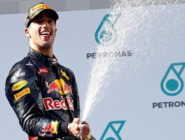 20161002- Daniel Ricciardo Saat Juarai GP Malaysia-Reuters