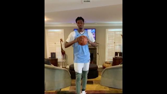 Berita Video Pebasket Memphis Grizzlies, Jaren Jackson Jr Pamer Skill Two Ball Dribbling di Rumahnya