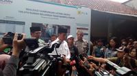 Presiden Jokowi saat memberikan keterangan pers nya kepada wartawan di Garut kemarin (Liputan6.com/Jayadi Supriadin)