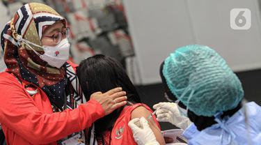 FOTO: Atlet, Pelatih, dan Tenaga Pendukung Jalani Vaksinasi COVID-19 di Istora Senayan