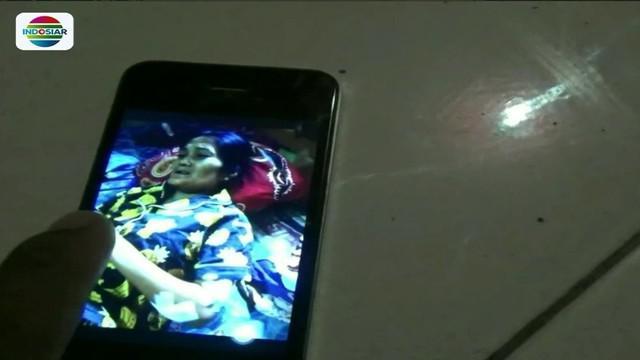 Tidak terima dibangunkan saat tidur, seorang pemuda di Deli Serdang, Sumatra Utara, menikam ibu kandungnya dengan sebilah pisau dapur.