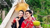 Ajun Perwira dan Jennifer Ipel liburan ke Bali (Sumber: Instagram/ajunperwira)