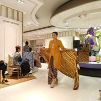 Galeries Lafayette Sustainable Batik Day