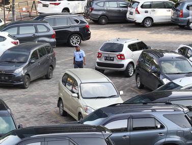 Anies Baswedan Rencanakan Pembangunan Lahan Parkir di Luar Jakarta