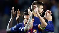 Pemain Bacelona, Lionel Messi merayakan kemenangan timnya 3-0 atas Juventus pada babak penyisihan Grup D Liga Champions di Camp Nou, Selasa (13/9). Lionel Messi jadi bintang di laga ini dengan torehan dua gol. (AP Photo/Francisco Seco)