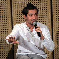 Reza Rahadian (Deki Prayoga/bintang.com)