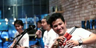 Dua tahun sudah grup band asal Yogyakarta tidak mengeluarkan album baru. Kesibukan manggung dan kegiatan promosi album terakhir 'Musim Yang Baik' yang diluncurkan tahun 2014 silam. (Adrian Putra/Bintang.com)