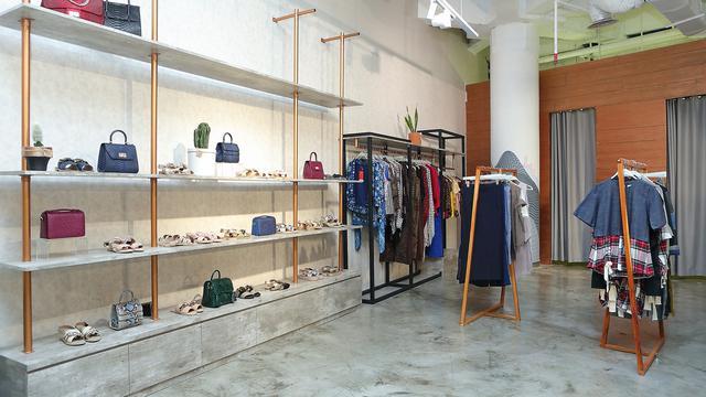 Belanja Fashion Item Jadi Lebih Mudah dan Nyaman di Fashionlink
