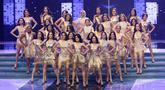 Penampilan 30 finalis, pada malam final Miss Grand Indonesia 2018 di JCC Jakarta, Sabtu (21/7). Mereka beradu bakat dan kecantikan dihadapan 9 dewan juri untuk memperebutkan mahkota bernilai Rp 3 miliar. (Liputan6.com/Angga Yuniar)