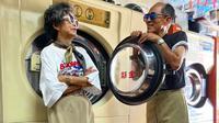 Lewat penampilan kece mereka bak model, pasangan kakek nenek asal Taiwan ini jadi begitu populer di media sosial. (dok. Instagram/wantshowasyoung/https://www.instagram.com/p/CCJHus5h9Rj/