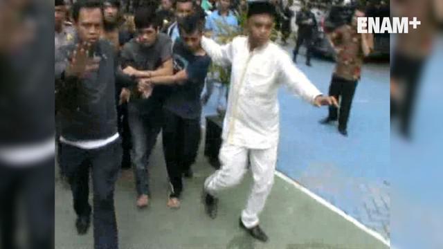 Kerusuhan terjadi di Lapas Sialang Bungkuk Kecamatan Tenayan Raya, Pekanbaru, akibat kerusuhan tersebut, ratusan narapidana dikabarkan kabur