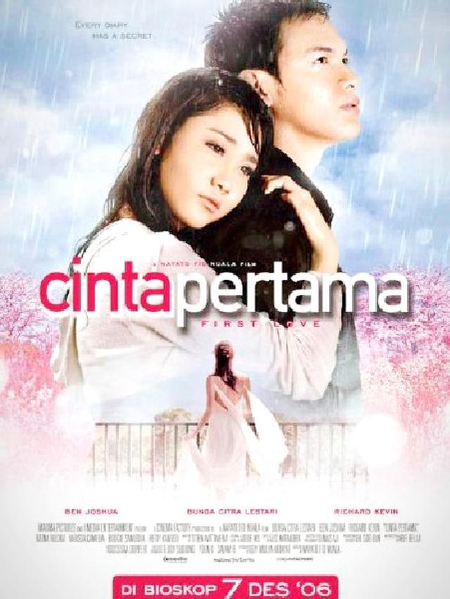 Poster film Cinta Pertama. (Dok. IMDb/ Maxima Pictures)