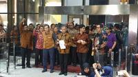 Pimpinan KPK menggelar konferensi pers menyikapi isu terkini tentang lembaganya, Jumat (13/9/2019). Hadir Saut Situmorang yang telah mengundurkan diri sebagai komisioner KPK. (Nanda Perdana Putra/Liputan6.com)