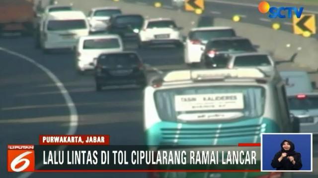 Kepadatan lalu lintas menuju lokasi wisata karena sebagian warga Jakarta masih memanfaatkan sisa masa libur lebaran