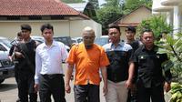 TF ditangkap polisi lantaran mencabuli teman cucunya. (Foto: Liputan6.com/Polres Kebumen/Muhamad Ridlo)