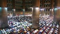 Suasana Tarawih Hari Pertama Ramadan di Istiqlal