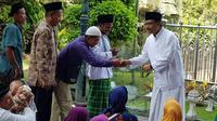 Gus Ipul berziarah ke makan Sunan Ampel (Dian Kurniawan/Liputan6.com)