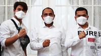 Rizky Billar dan Putra Siregar menemui Gubernur Sumatra Utara, Edy Rahmayadi, untuk meminta izin membantu memajukan PSMS Medan. (Instagram/@rizkybillar)