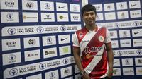 Bek Kuala Lumpur FA, Ahmad Jufriyanto, berpose usai laga Liga Super Malaysia di Stadion Kuala Lumpur, Cheras, Minggu (4/2/2018). Kuala Lumpur FA kalah 0-2 dari Selangor FA. (Bola.com/Vitalis Yogi Trisna)