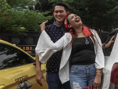 Elly Sugigi dan Suami Umbar Kemesraan di Polres Jaksel