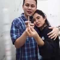 7 Momen Ussy Sulistiawaty Umumkan Hamil Anak ke-5, Berharap Bayi Cowok (sumber: YouTube Ussy Andhika Official)