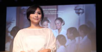 Penyanyi dan pemeran Gita Gutawa, tidak pernah mengumbar kisah asmaranya. Begitu juga saat ditanya terkait kekasih. Ia enggan menjawabnya. Lantas apa komentar terkait nikah muda. (Nurwahyunan/Bintang.com)