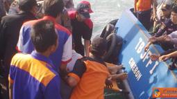 Citizen6, Bakauheni: Kecelakaan tersebut terjadi akibat Kapal Motor Penyeberangan (KMP) Bahuga Jaya yang ditabrak oleh kapal kargo Norgas Chantika. (Pengirim: Hendricus Widiantoro)