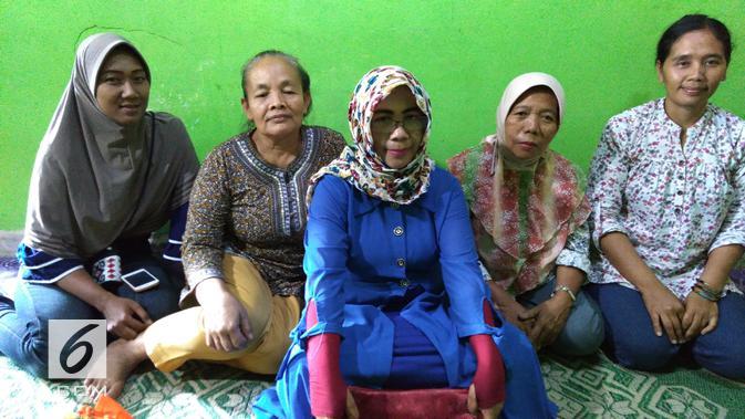 Para perempuan Mekaar dari Desa Pakemgede dan Pakemtegal. Dok: Tommy Kurnia/Liputan6.com