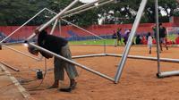 Proses terkini renovasi Stadion Brawijaya (Bola.com/Gatot Susetyo)