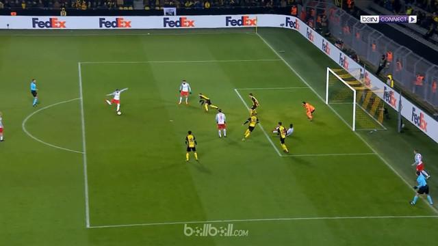 Valon Berisha menjadi pahlawan Salzurg di laga 16 besar leg pertama Liga Europa setelah mengemas dua gol ke gawang Borussia Dortmu...