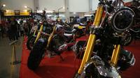 Sejumlah motor beradu gaya di acara Kustomfest 2018 yang digelar di Jogja Expo Center, Yogyakarta, 6-7 Oktober 2018. (Herdi Muhardi)