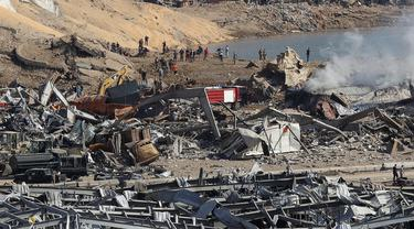 FOTO: Proses Pencarian Korban Ledakan Besar di Beirut Lebanon