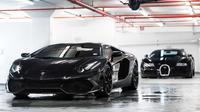 Dua supercar yang dilayani Elite Detailing and Protection, workshop yang biaya jasanya mencapai ratusan juta (Foto: motortrak.com).
