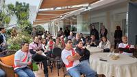 Perayaan Idul Fitri di KBRI Lima diisi dengan acara nonton bareng pertandingan Piala Dunia (sumber: Kemlu.go.id)