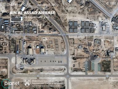 Gambar satelit menunjukkan kerusakan akibat serangan Iran di pangkalan udara AS di Ain al-Assad, Irak barat, Rabu (8/1/2020). Serangan Iran adalah pembalasan atas pembunuhan Jenderal Qassem Soleimani, salah satu pejabat militer paling kuat dan berpengaruh di Teheran. (HO/Planet Labs Inc./AFP)