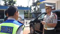 Kakorlantas Polri Irjen Refdi Andri meninjau Pos Induk Patroli Jalan Raya di Serang, Banten. (Liputan6.com/Nafiysul Qodar)