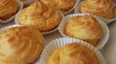 096709100 1543371235 resep cara membuat kue soes lembut dan super enak CaraBiasa.com