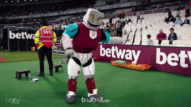 Berita video beragam momen yang menggelitik dan seru di Premier League 2017-2018 pada bulan Mei. This video presented by BallBall.